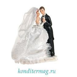 Жених и невеста свадебное украшение 23 см. пластик 1