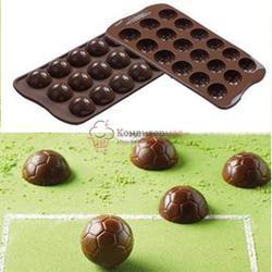 Форма для конфет Изи-Шок Футбольный мяч Silikomart 1
