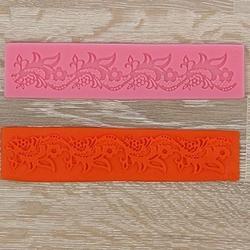 Коврик для кружев Цветочный узор 18х4 см. 1