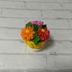 Украшение сахарное Корзина с цветами 3 см. 1 шт. 1