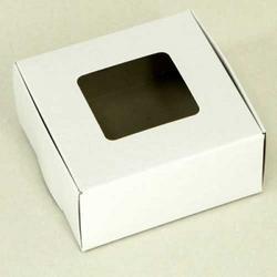 Коробка для сладостей 10,5х10х5 см. Белая с окошком 1